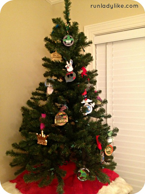 Christmas Running Medals.How To Use Your Race Medals As Christmas Tree Ornaments
